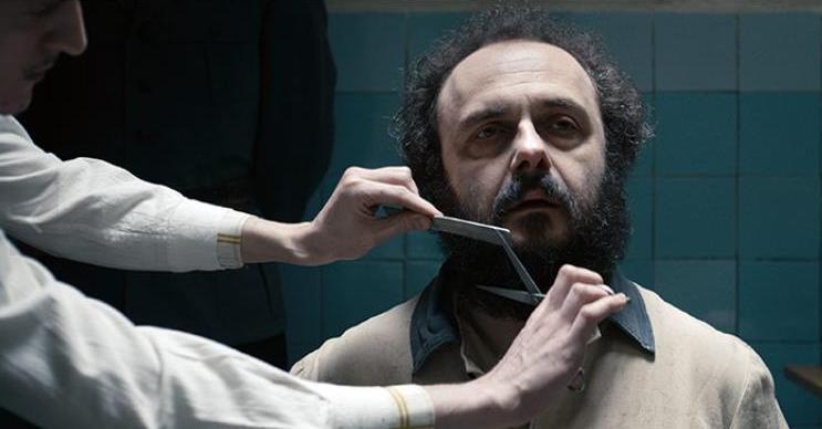 """Kadr z filmu """"Jestem mordercą""""."""